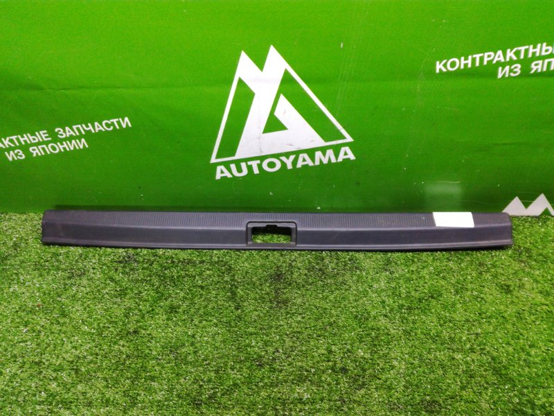Накладка замка багажника Toyota Corona ST190 (б/у)