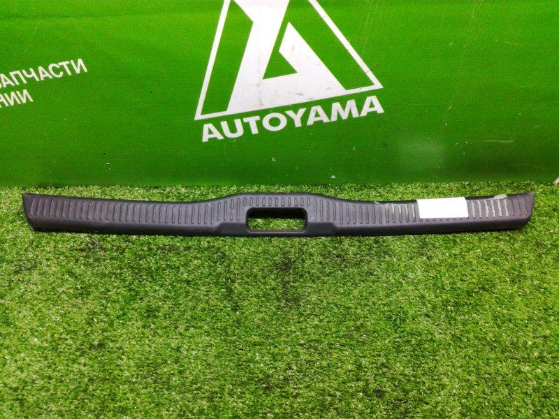 Накладка замка багажника Toyota Corolla AE100 (б/у)