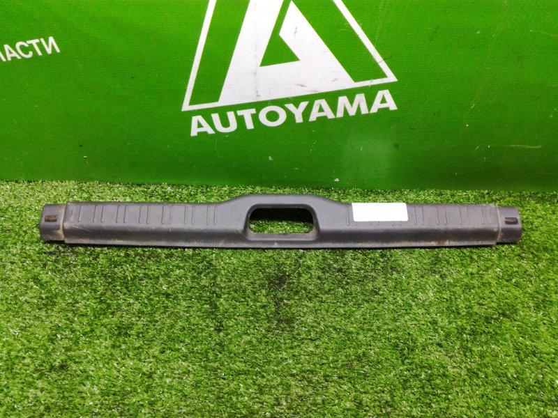 Накладка замка багажника Toyota Sprinter AE110 (б/у)