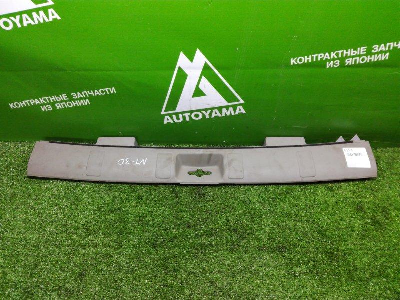 Накладка замка багажника Nissan X-Trail T30 (б/у)