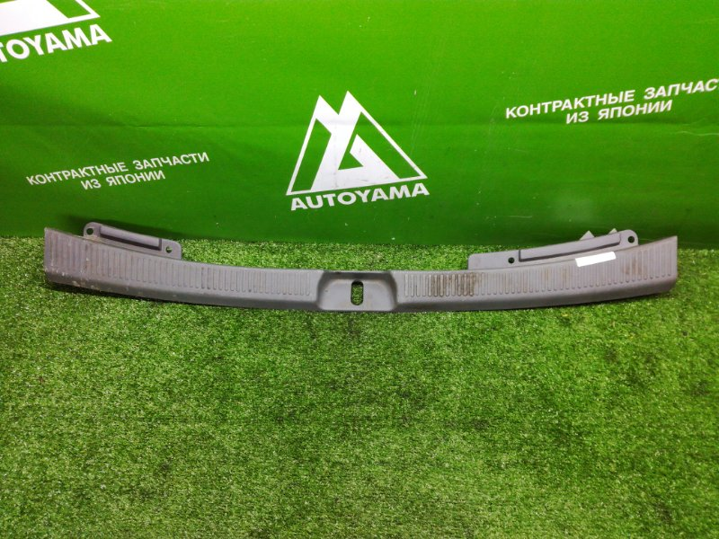 Накладка замка багажника Toyota Harrier SXU10 (б/у)