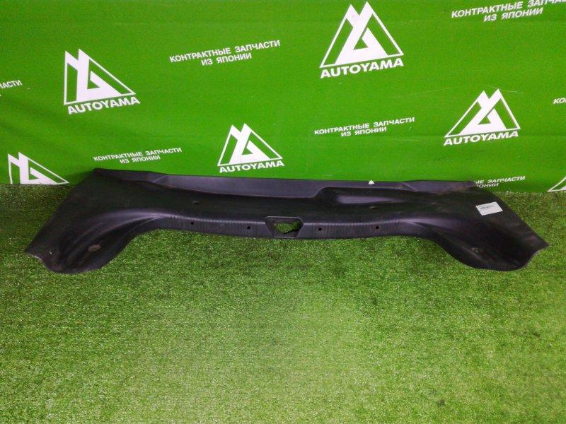 Накладка замка багажника Mazda Capella GF8P (б/у)