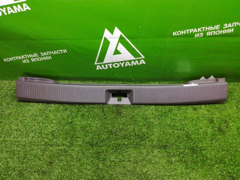 Накладка замка багажника Toyota Corolla Wagon AE100 (б/у)