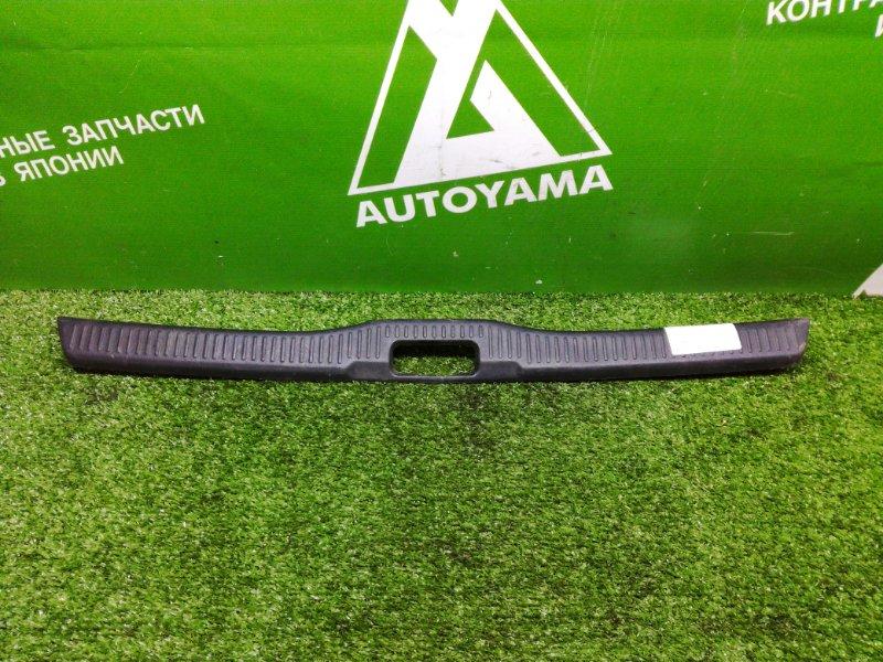 Накладка замка багажника Toyota Corolla AE100 4AFE (б/у)