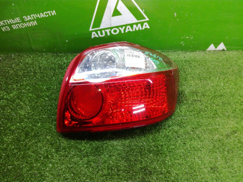 Фонарь Toyota Auris NZE151 1NZFE 2011 задний правый (б/у)