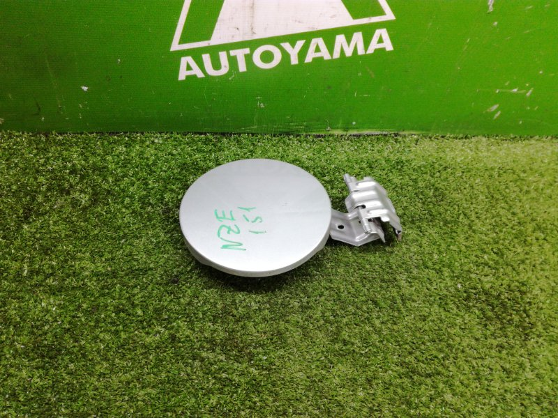 Лючок бензобака Toyota Auris NZE151 1NZFE 2011 (б/у)