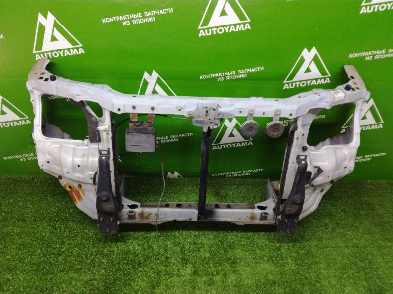 Рамка радиатора Toyota Noah SR40 (б/у)