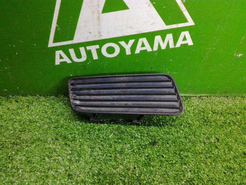 Заглушка бампера Toyota Corona Premio ST210 3SFE правая (б/у)