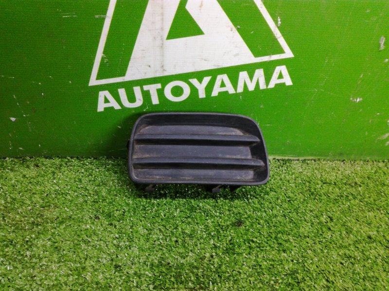 Заглушка бампера Toyota Sprinter Carib AE115 7AFE правая (б/у)
