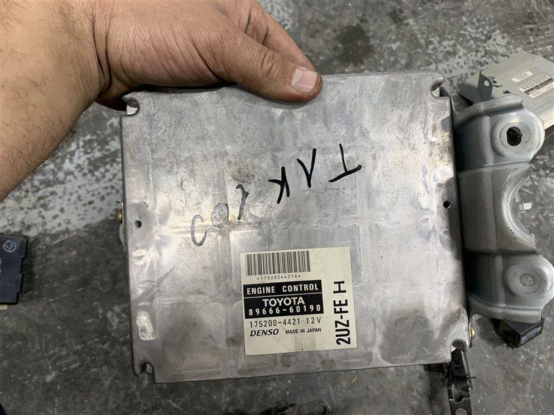 Блок управления двигателем Toyota Land Cruiser 100 UZJ100 2UZ-FE 2002 (б/у)
