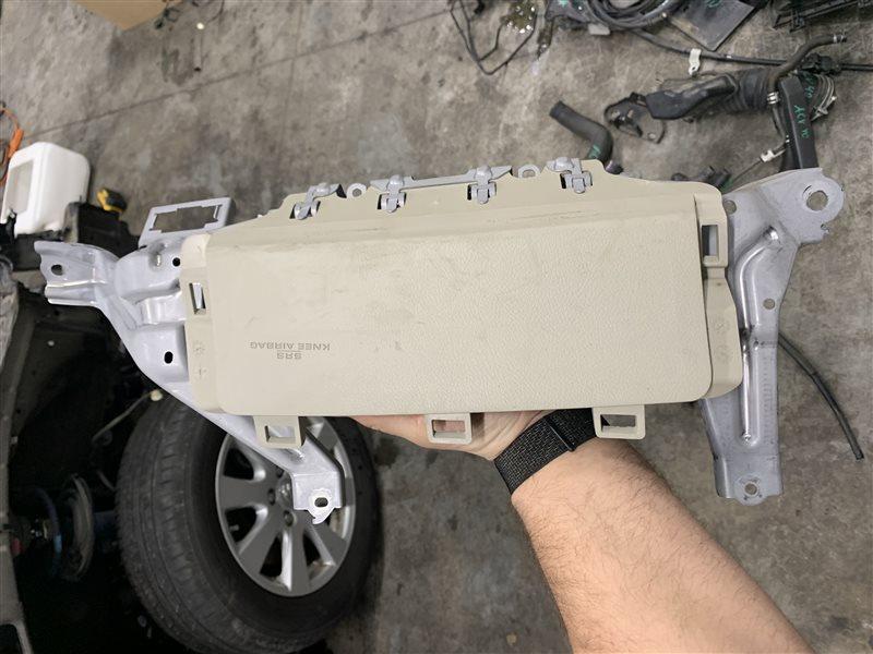 Подушка в колени Toyota Camry 40 ACV40 2AZ-FE 2007 (б/у)