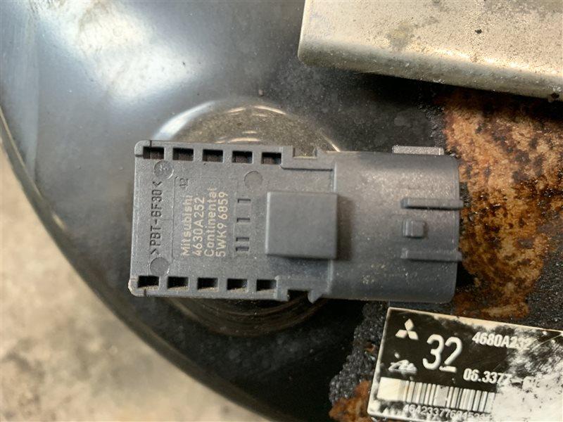 Вакуумный усилитель тормоза и сцепления Mitsubishi Outlander Gf GF3W 4J12 2012 (б/у)