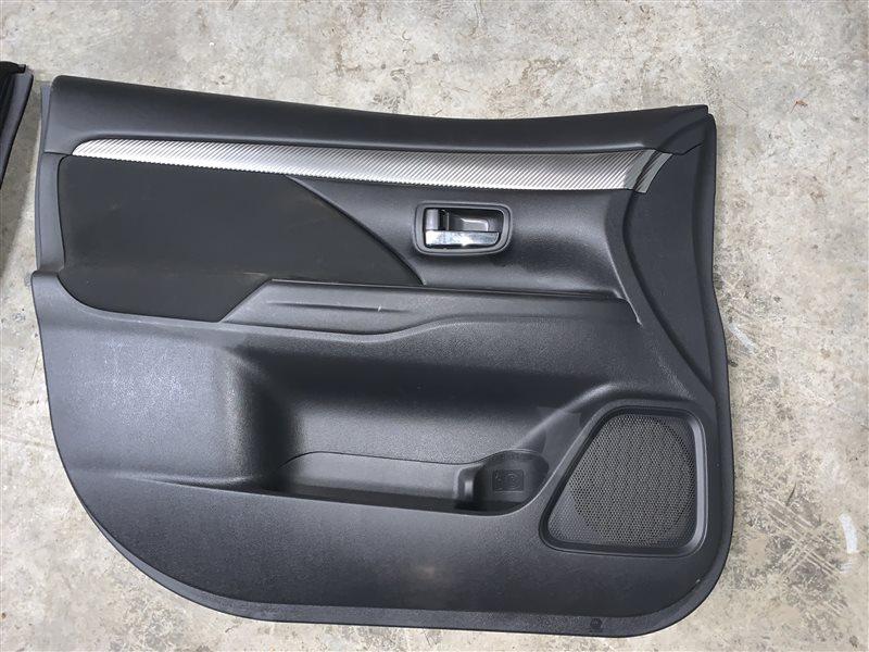 Дверные карты Mitsubishi Outlander Gf GF3W 4J12 2012 (б/у)
