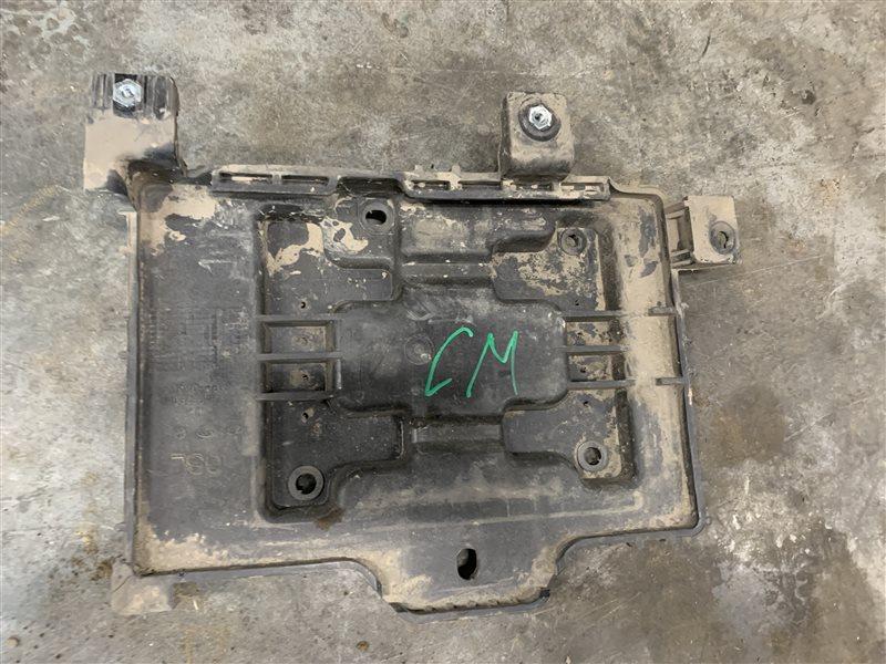 Площадка под аккумулятор Hyundai Santa Fe Cm CM G4KE 2011 (б/у)