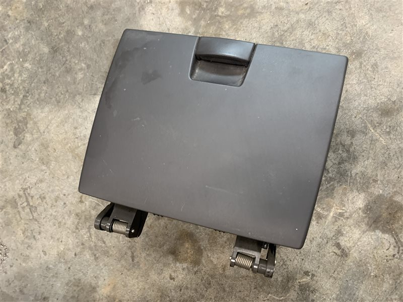 Ящик передней консоли Hyundai Santa Fe Cm CM G4KE 2011 (б/у)