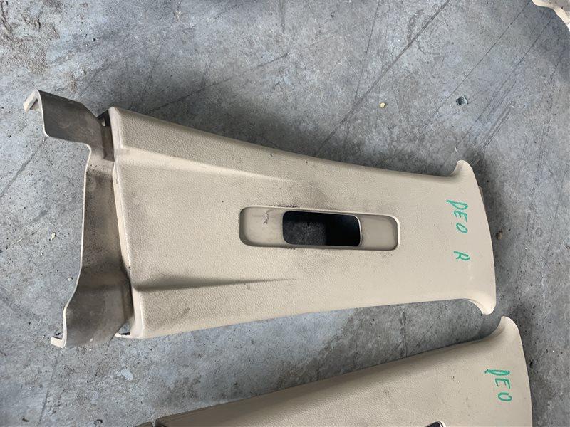 Обшивка центральной стойки Chevrolet Captiva C100 C100 Z20S 2010 правая верхняя (б/у)