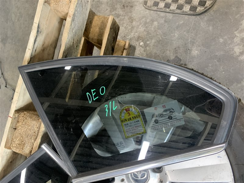 Форточка багажника Chevrolet Captiva C100 C100 Z20S 2010 задняя левая (б/у)