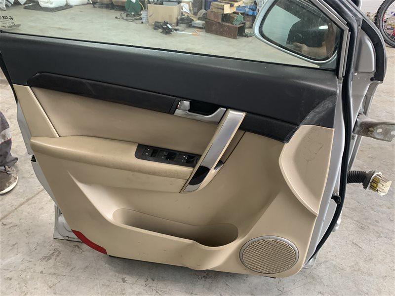 Обшивка двери Chevrolet Captiva C100 C100 Z20S 2010 передняя левая (б/у)