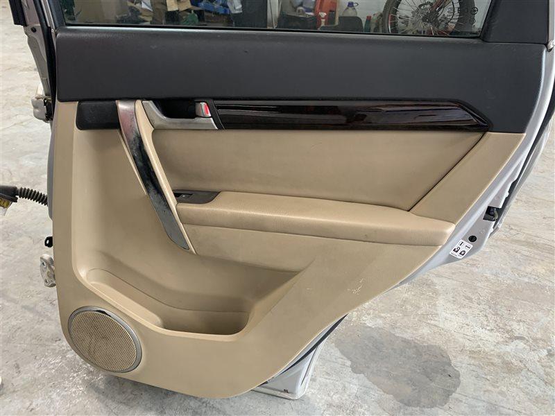 Обшивка двери Chevrolet Captiva C100 C100 Z20S 2010 задняя правая (б/у)
