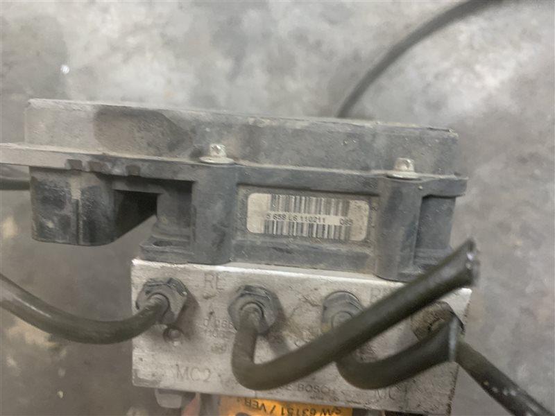 Блок abs Hyundai Santa Fe Cm CM G4KE 2011 (б/у)