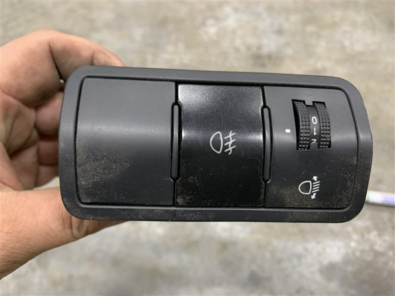 Кнопка включения противотуманной фары Hyundai Solaris RB G4FC 2013 (б/у)