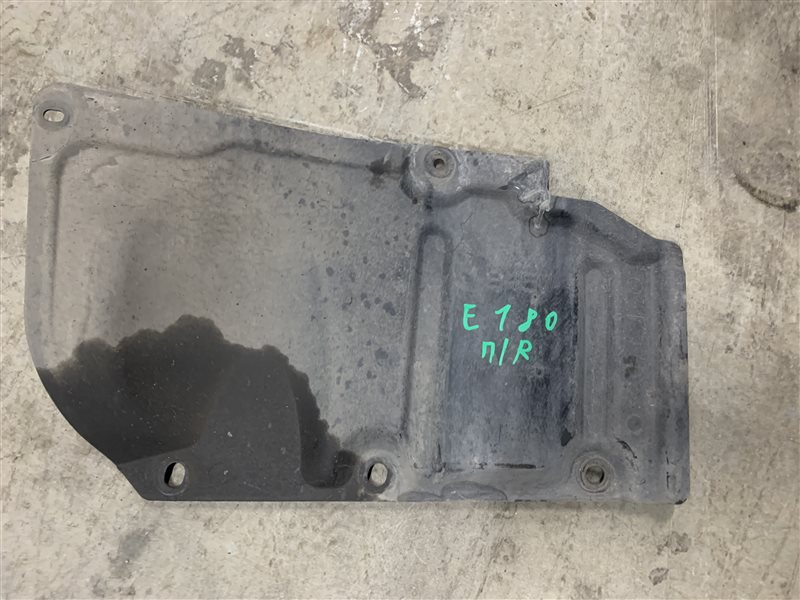 Пыльник двигателя Toyota Corolla E180 ZRE181 1ZRFE 2013 правый (б/у)