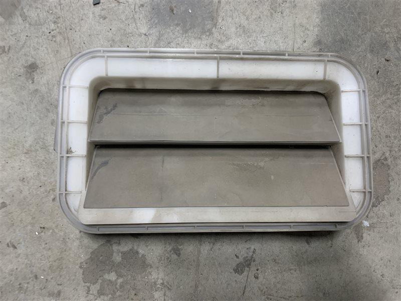 Решетка вентиляционная Toyota Corolla E180 ZRE181 1ZRFE 2013 (б/у)