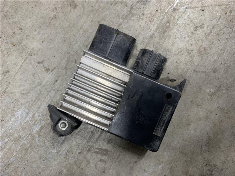 Блок управления вентилятором Toyota Corolla E180 ZRE181 1ZRFE 2013 (б/у)