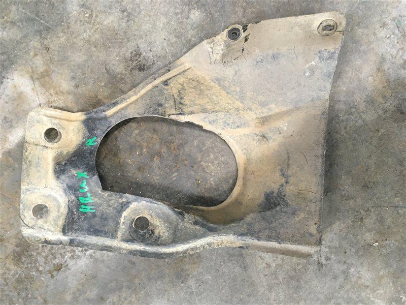 Защита двигателя Toyota Hilux Pick Up 2010-2015 KUN26L 1KD-FTV 2014 (б/у)