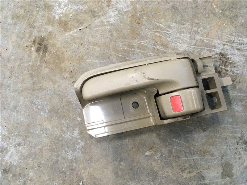 Ручка двери внутренняя Toyota Hilux Pick Up 2010-2015 KUN26L 1KD-FTV 2014 задняя левая (б/у)
