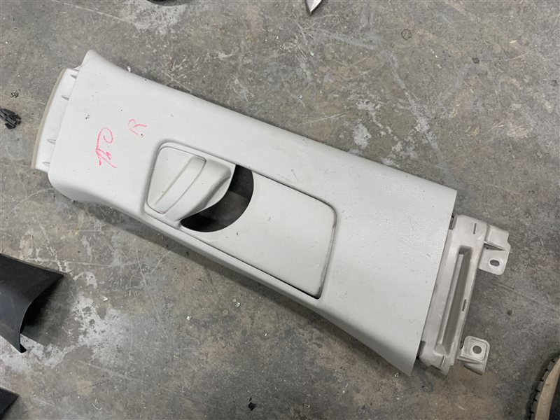 Обшивка центральной стойки Toyota Corolla E150 E150 1ZR-FE 2008 правая (б/у)