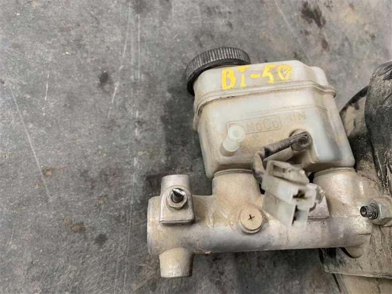 Главный тормозной цилиндр Mazda Bt50 UN8F1 WLAA 2008 (б/у)