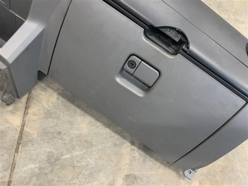 Бардачок Mazda Bt50 UN8F1 WLAA 2008 (б/у)