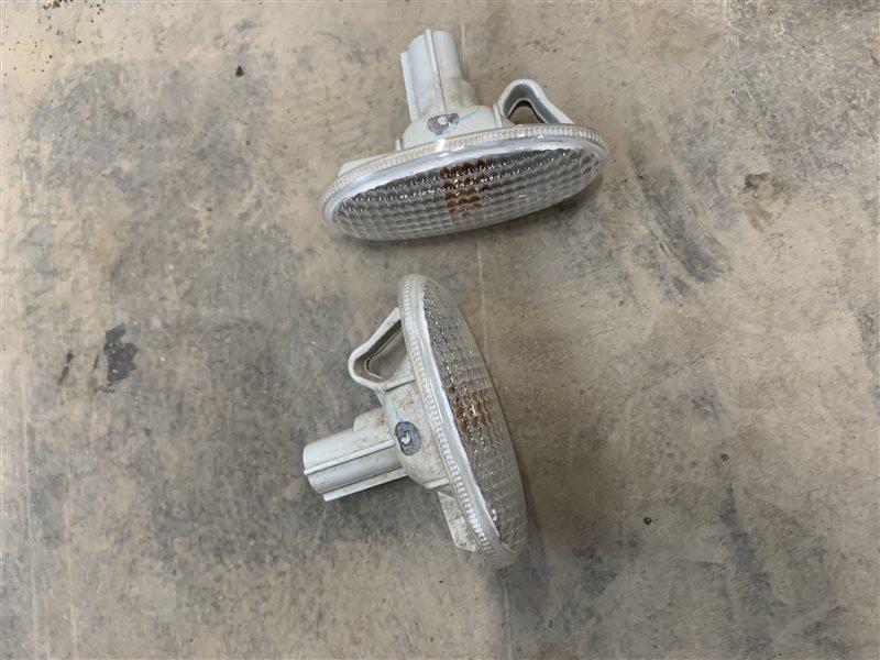 Повторитель в крыло Mazda Bt50 UN8F1 WLAA 2008 (б/у)