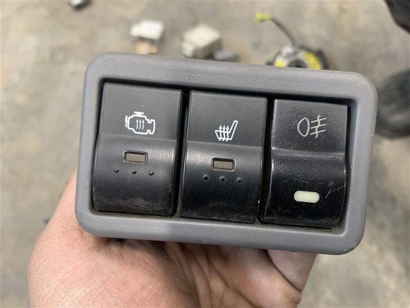 Блок кнопок Mazda Bt50 UN8F1 WLAA 2008 (б/у)