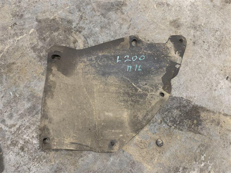 Пыльник двигателя Mitsubishi L200 Kb4T KB4T 4D56 2011 (б/у)