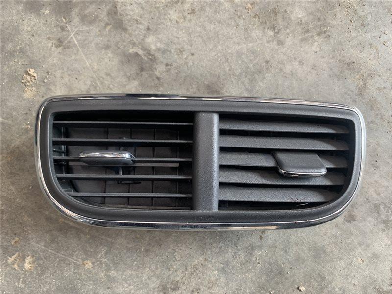 Дефлектор воздушный Nissan Terrano D10 D10 F4R 2018 (б/у)