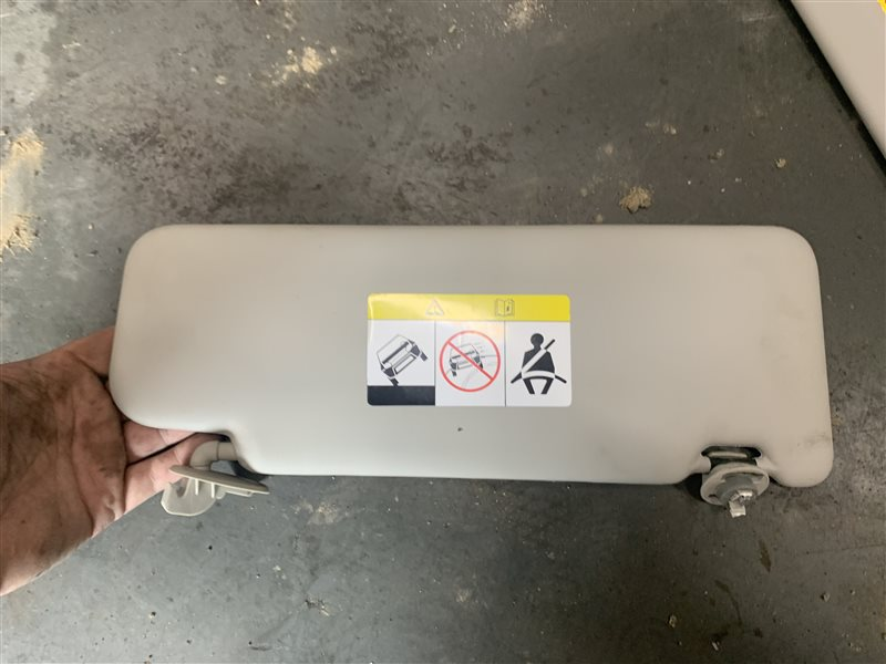 Козырек солнцезащитный Nissan Terrano D10 D10 F4R 2018 левый (б/у)