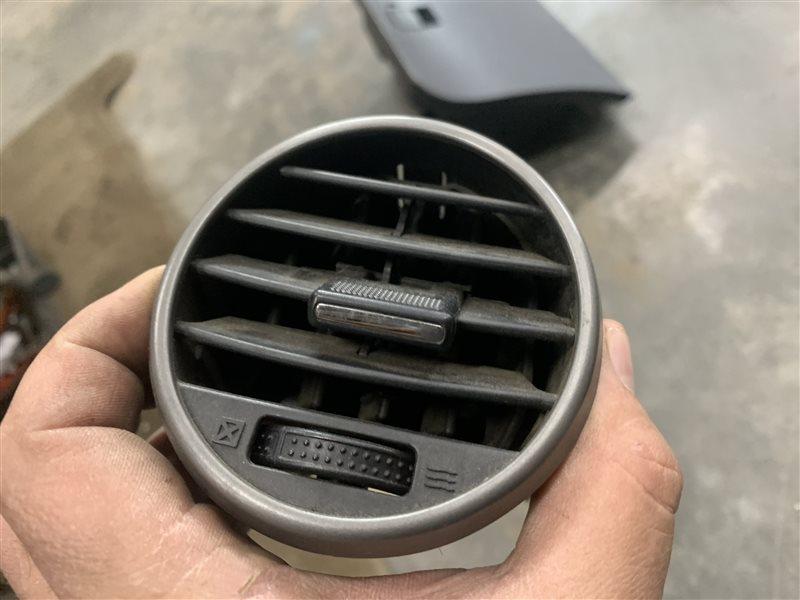 Дефлектор воздушный Great Wall Hover H5 H5 GW4D20 2013 правый (б/у)
