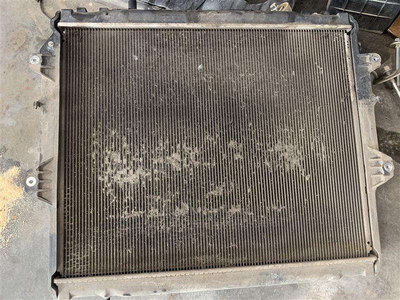 Радиатор охлаждения двигателя Toyota Hilux Pick Up 2010-2015 KUN25L 2KD-FTV 2014 (б/у)