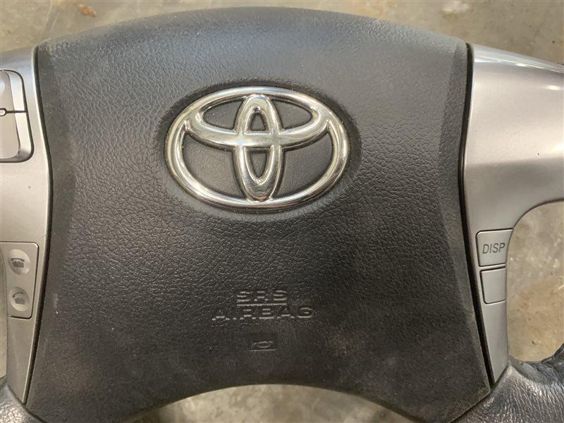 Подушка безопасности в рулевое колесо Toyota Hilux Pick Up 2010-2015 KUN25L 2KD-FTV 2014 (б/у)