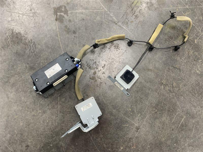 Антенна навигации gps Mitsubishi L200 Kk/kl KK/KL 4N15 2018 (б/у)