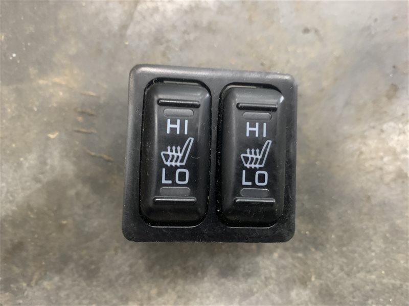 Кнопка обогрева сидений Mitsubishi L200 Kk/kl KK/KL 4N15 2018 (б/у)