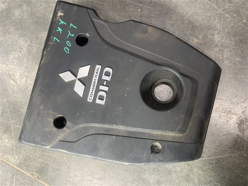 Крышка двс декоративная Mitsubishi L200 Kk/kl KK/KL 4N15 2018 (б/у)