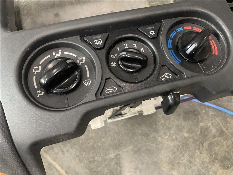 Блок управления климат контролем Mitsubishi L200 Kk/kl KK/KL 4N15 2018 (б/у)