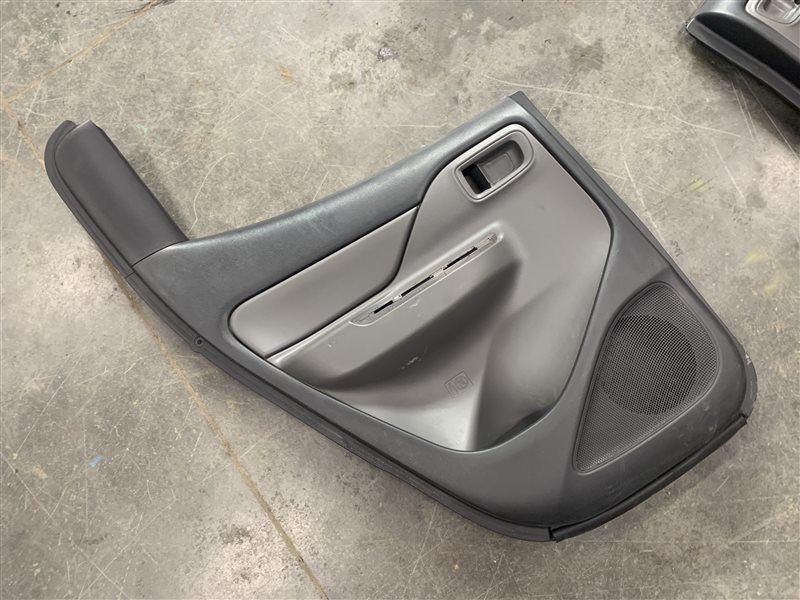 Обшивка двери Mitsubishi L200 Kk/kl KK/KL 4N15 2018 задняя левая (б/у)