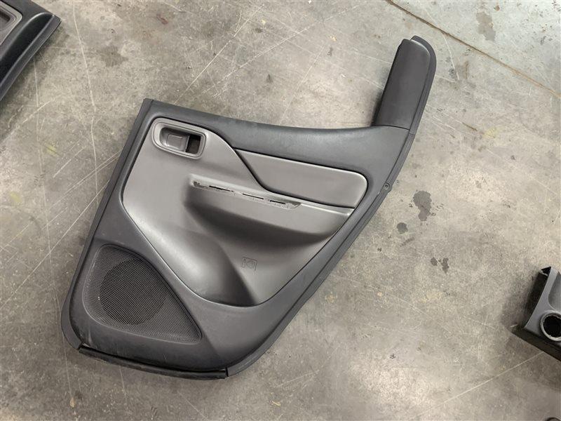 Обшивка двери Mitsubishi L200 Kk/kl KK/KL 4N15 2018 задняя правая (б/у)