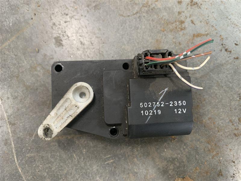 Моторчик привода заслонок печки Mitsubishi L200 Kb4T KB4T 4D56U 2012 (б/у)