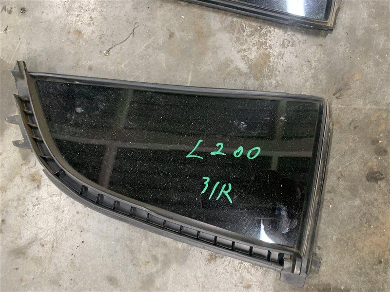 Форточка двери Mitsubishi L200 Kb4T KB4T 4D56U 2012 задняя правая (б/у)