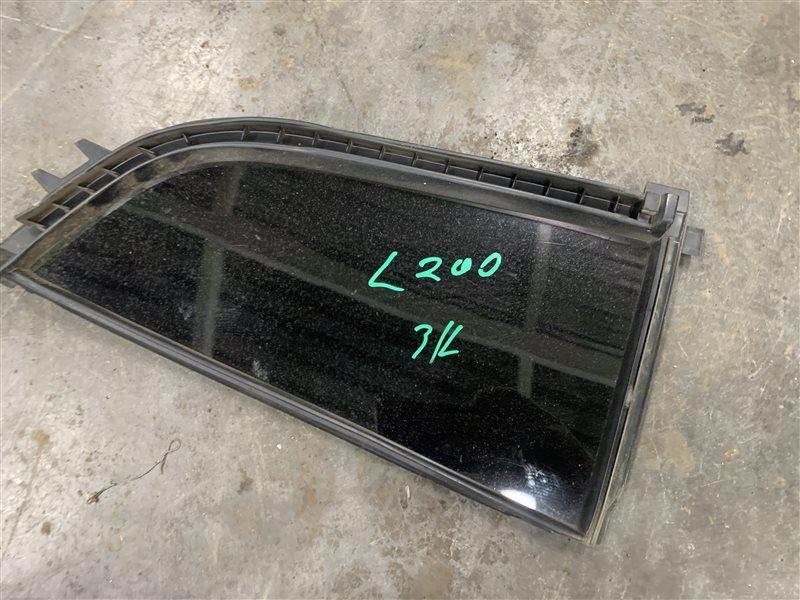Форточка двери Mitsubishi L200 Kb4T KB4T 4D56U 2012 задняя левая (б/у)